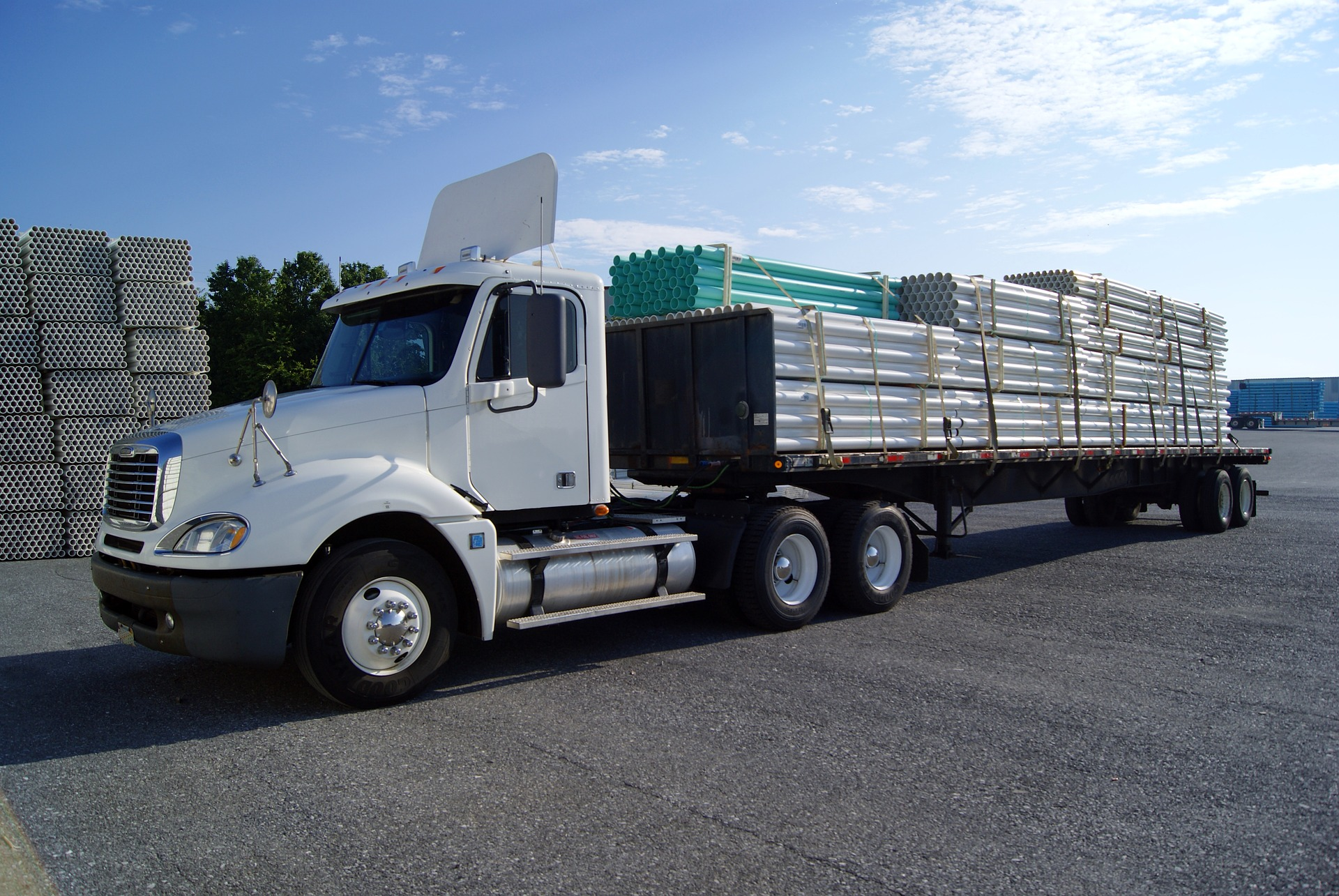 truck-1565478_1920